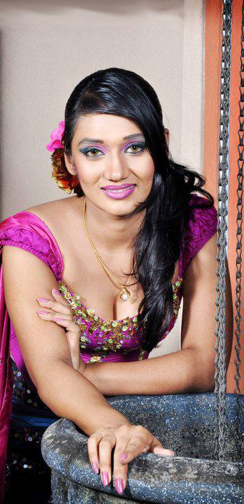Upeksha+swarnamali+bikini+photos