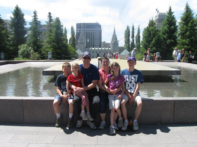 Family with view of Salt lake temple July 2010
