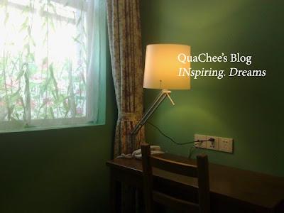 shanghai budget hotel, le tour travelers rest, desk