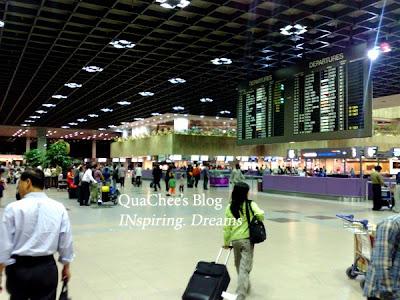 summer holiday airport