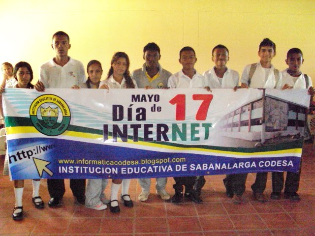 Estudiantes Grado 10F Festejando