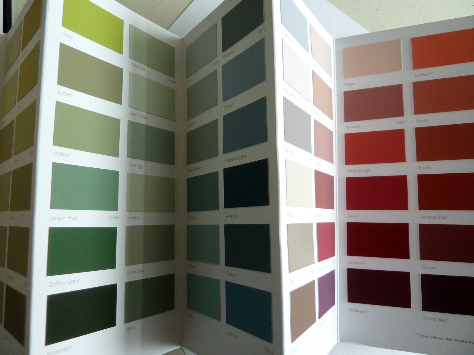 about 39 dulux emulsion colour chart 39 where can i buy. Black Bedroom Furniture Sets. Home Design Ideas