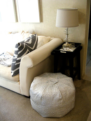 bromeliad diy wednesday make a moroccan pouf out of the. Black Bedroom Furniture Sets. Home Design Ideas
