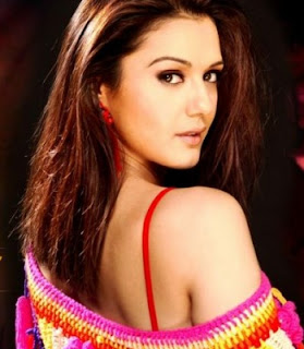 Preity zinta Indian actress Without clothes / dress. Preity zinta sexy Kiss image of bollywood hot model