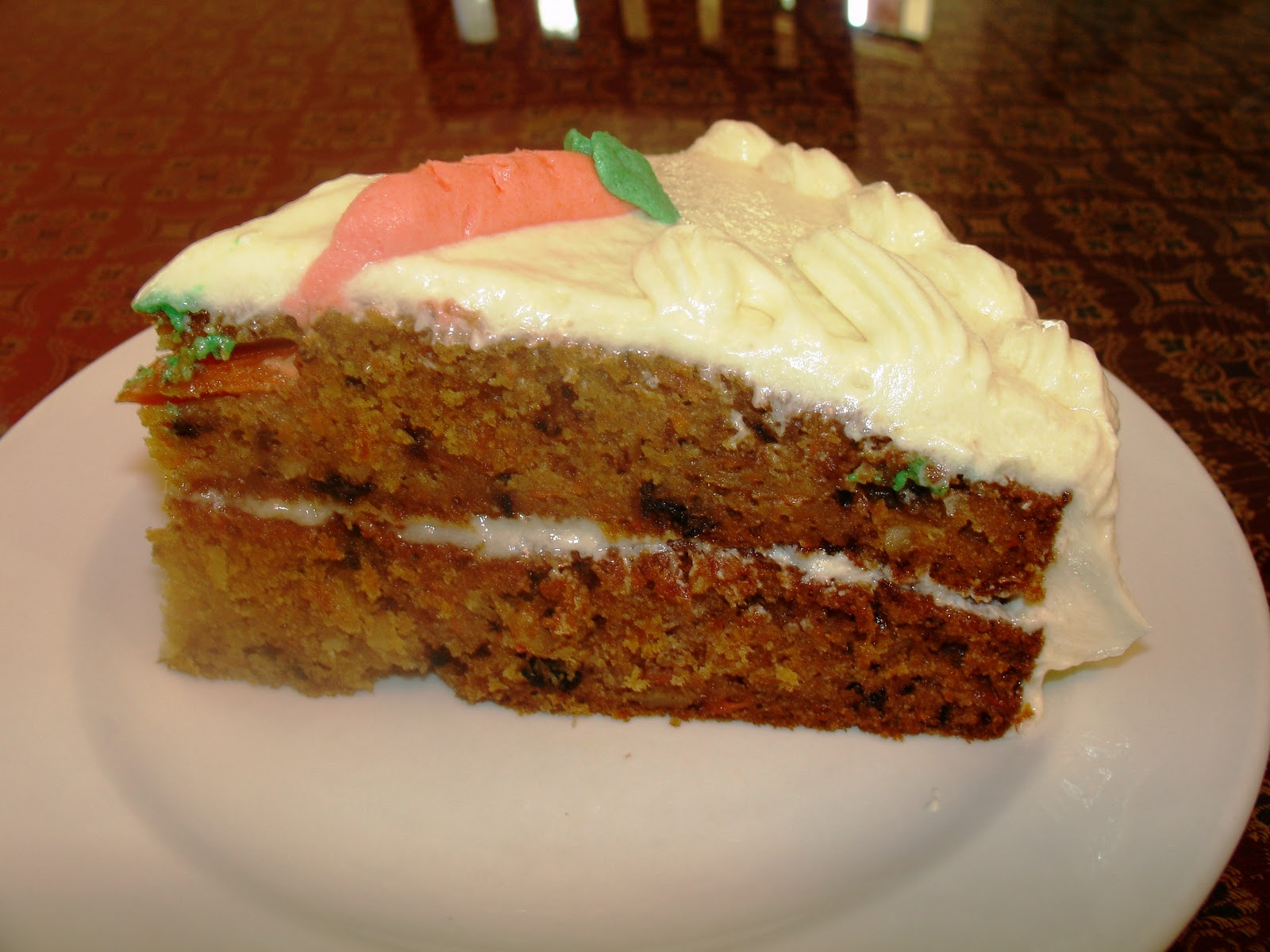 shaeryscake: Carrot cake with cream cheese frosting