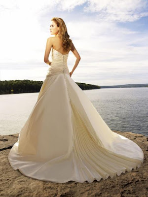 New Wedding Dress 2010 Swarovski Crystals Allure Bridals Clothing