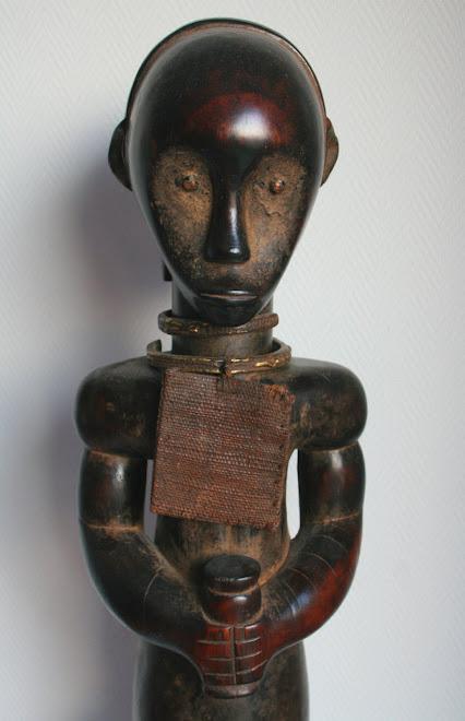 Statuette masculine fang