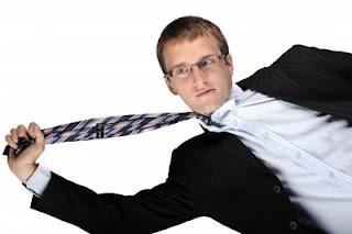 ragazzo in cravatta