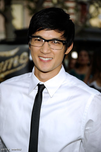 HARRY SHUM JR. ' HE IS SO CUTE! esp when he dances. and