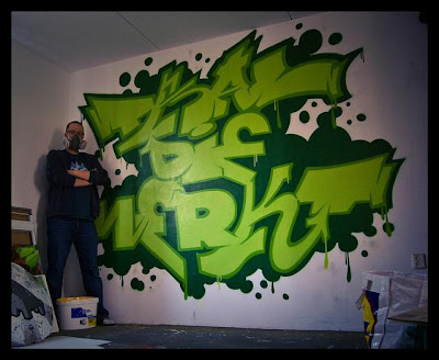 graffiti murals, graffiti tag