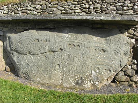 Inishindie newgrange and knowth heritage sites