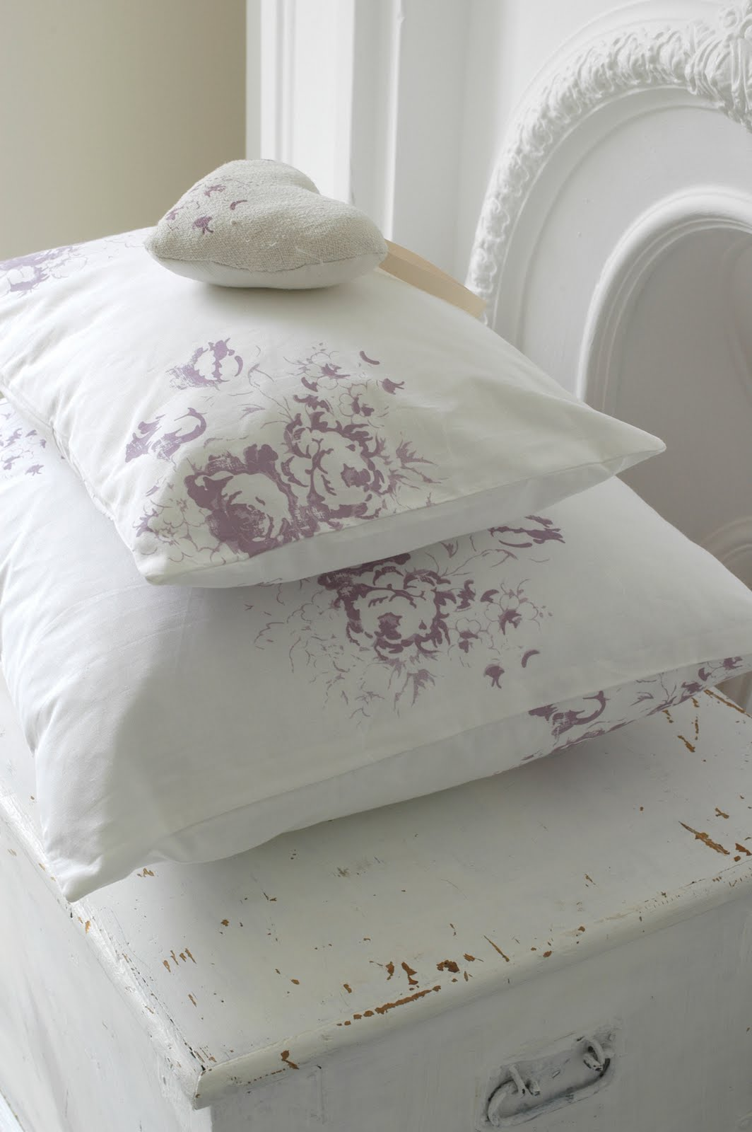dreamy whites an interview with christina strutt and a cabbages and roses sponsored giveaway. Black Bedroom Furniture Sets. Home Design Ideas