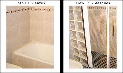 Cambio de bañera por plato en baño con cenefa en paredes.