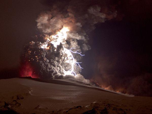 iceland volcano lightning wallpaper. iceland volcano lightning