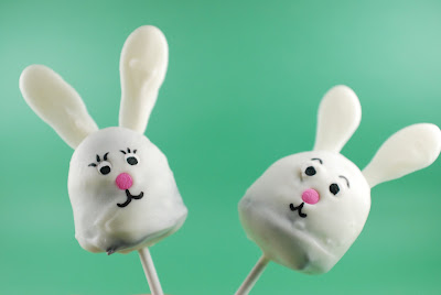 Cake On The Brain Easter Brownie Pops