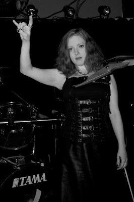 Rachel Barton Pine at an Earthen Grave show