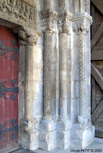 POMPIERRE (88) - Le portail roman de l'église paroissiale Saint-Martin