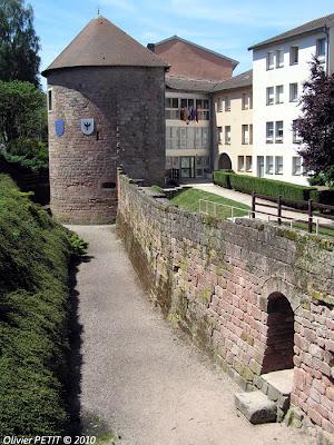 EPINAL (88) - Les remparts médiévaux