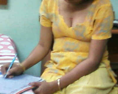 16april+(1) Desi mast Teacher aunty big cleavage photos