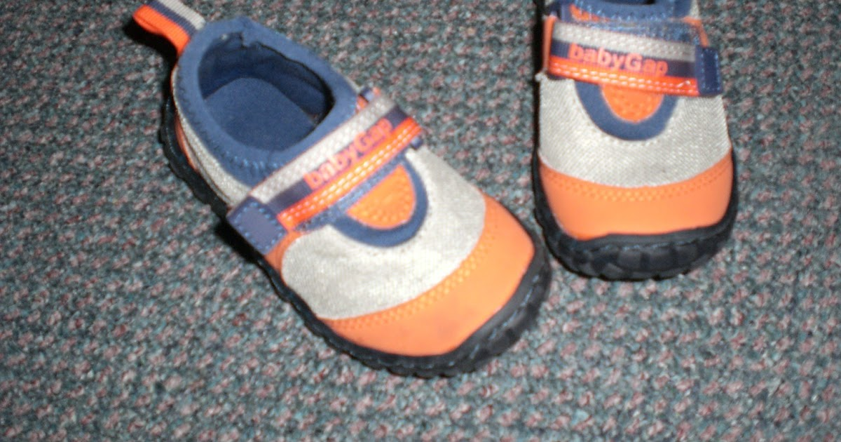 ITEMS FOR SALE Baby Gap Size 6 Water Shoes $5