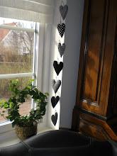 Sju hjärtan på snöre