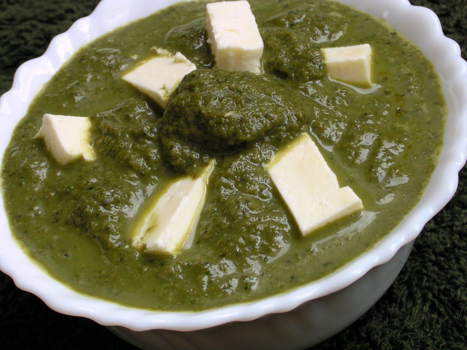 Enriching your kid!: Cottage Cheese in Spinach Curry/Palak Paneer