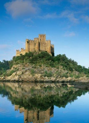 travel - Castelo do Almourol, Tagus River