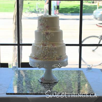 Easy Wedding Cakes on Sweetthings  Simple And Elegant Wedding Cakes