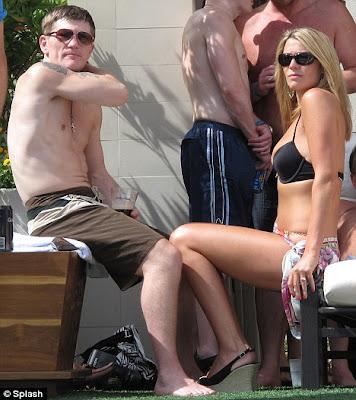 sexy Jennifer Dooley hot bikini pics