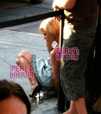 Jaime Pressly Pouring A Bottle Of Water -Not Pee!