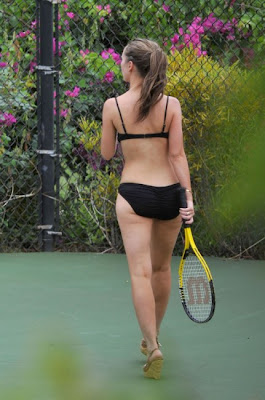 Jennifer Love Hewitt Plays Tennis In Sexy Bikini