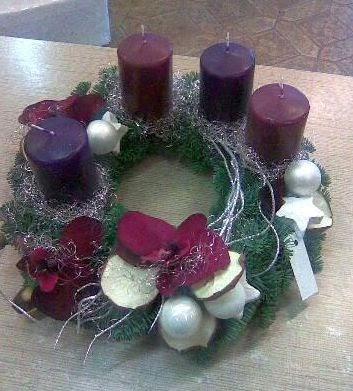 pader deko perle weihnachtsdeko mein adventskranz in lila. Black Bedroom Furniture Sets. Home Design Ideas