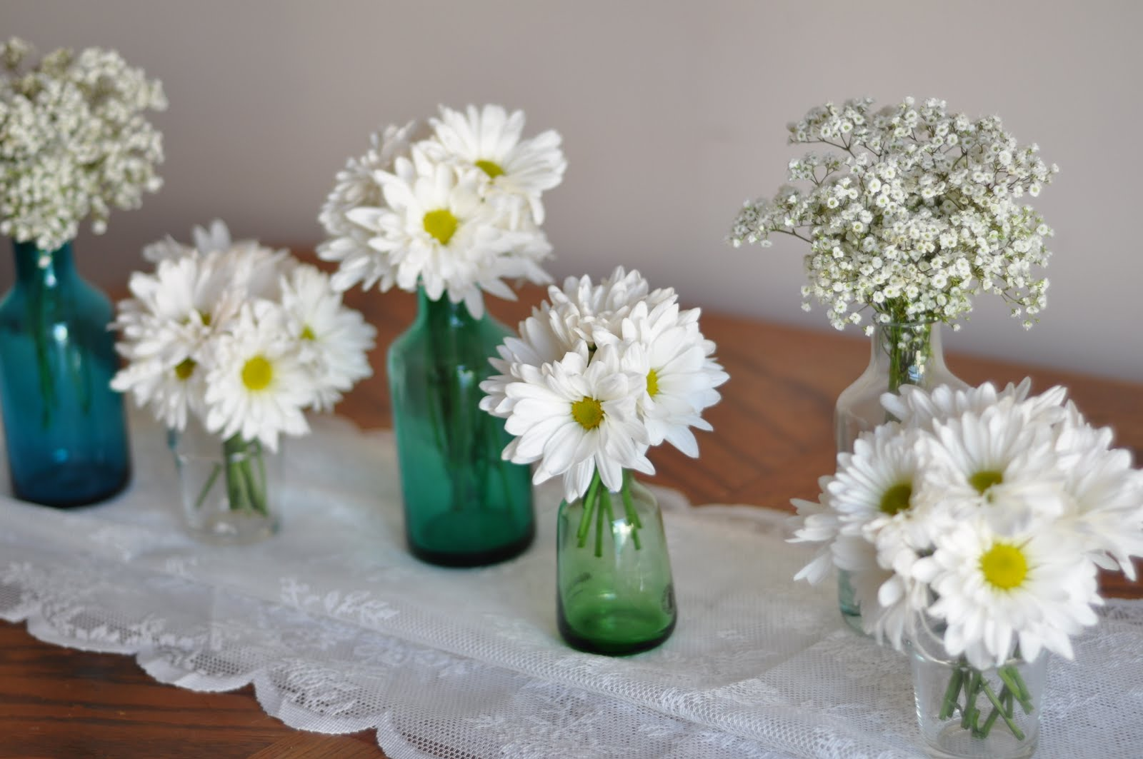 Beautiful Bright Simple Centerpieces Ideas