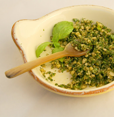 Gourmet Girl: Recipe: Making Fresh Basil Pesto
