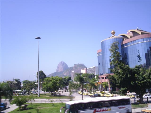 Pão de Açúcar  visto do Viaduto Pedro Alvares Cabral
