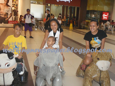 Walk like Walking Animals in Robinson's Place, Dumaguete City