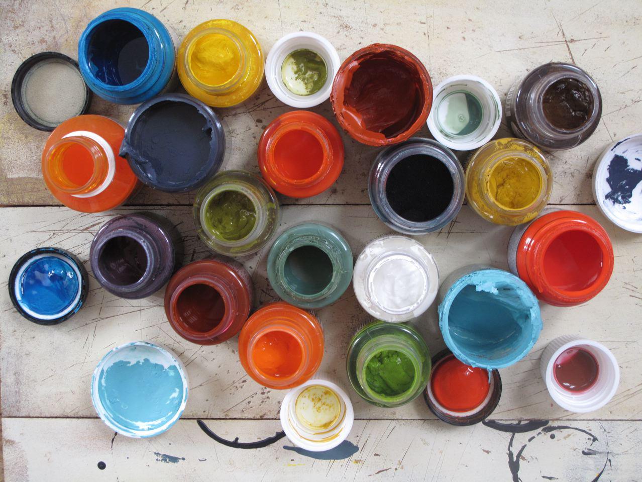 [paints]