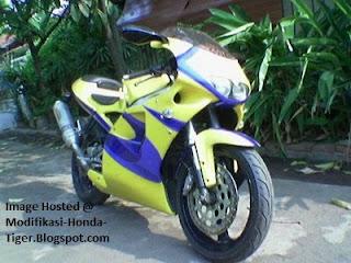 modifikasi honda tiger, modifikasi tiger, motor tiger, motor honda tiger, Honda Tiger Gaya GP, Modifikasi Keren
