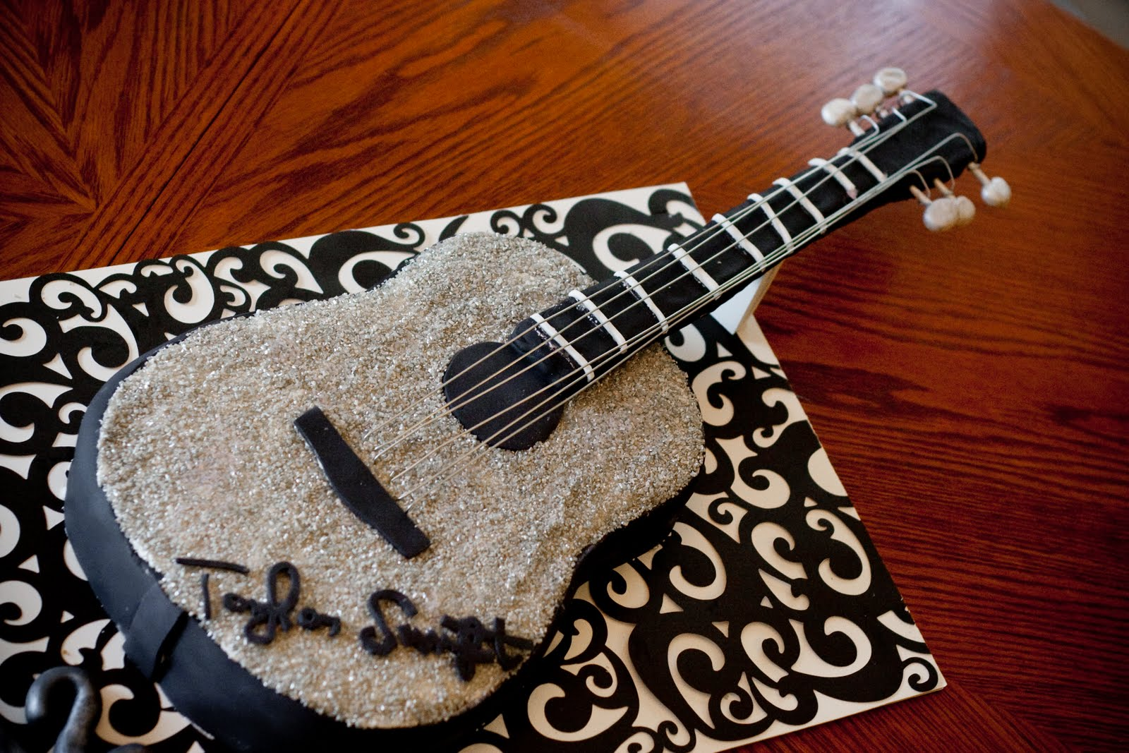 Guitar Birthday Cake Images : Taylor Swift Acoustic Guitar Birthday Cake Jessica Peck