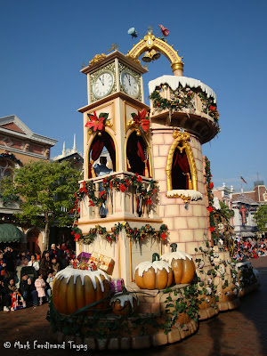 Disney's Let It Snow Parade Photo 14