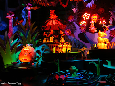 Disneyland It's A Small World Photo 15