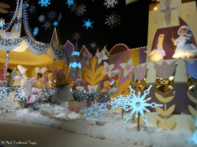 Disneyland It's A Small World Photo 12