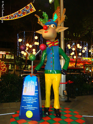Orchard Christmas Statues 2009 Photo 9