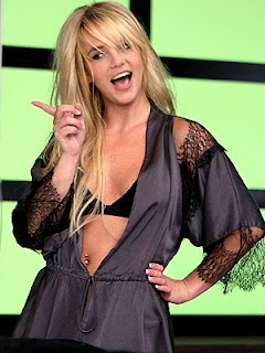 Britney Spears Back On Top With Womanizer