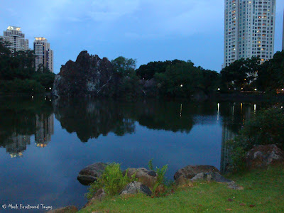 Bukit Gombak Lake Guilin Picture 8