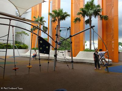 Sembawang Shopping Centre Park Photo 9