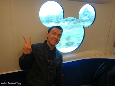 Hong Kong Disneyland Train Photo 10