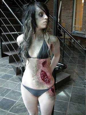 Inilah Kostum Zombie Yang Terlihat Nyata Perfect [ www.Up2Det.com ]