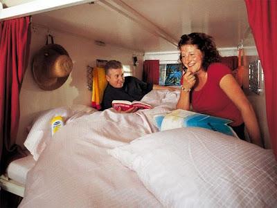 ADC STUDIO: 睡遍全世界《 Rotel Tours 行動旅館