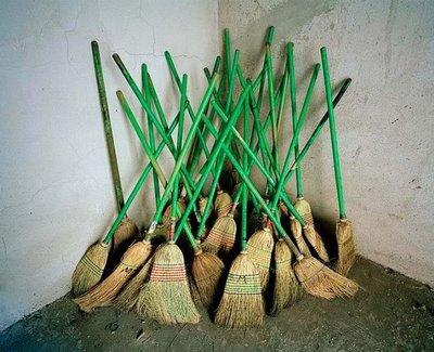 [brooms]